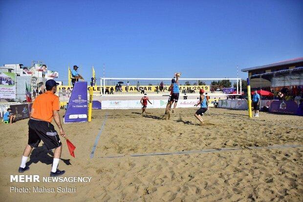 مصاف ایران و قزاقستان در روز آخر رقابت های والیبال ساحلی