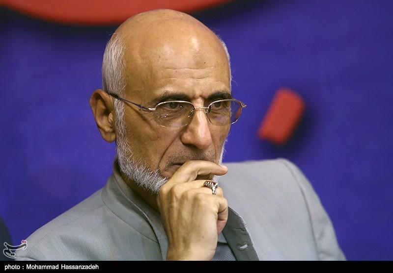 منشاء اعتراض مردم زد و بند مجلس و دولت است